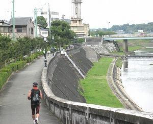 三田市に入り右は武庫川